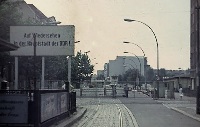 chausseestrasse-border-crossing