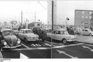 sonnenallee-border-crossing-1964